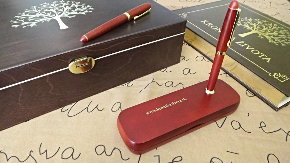 luxusna-zlata- kronika-box-a-pera