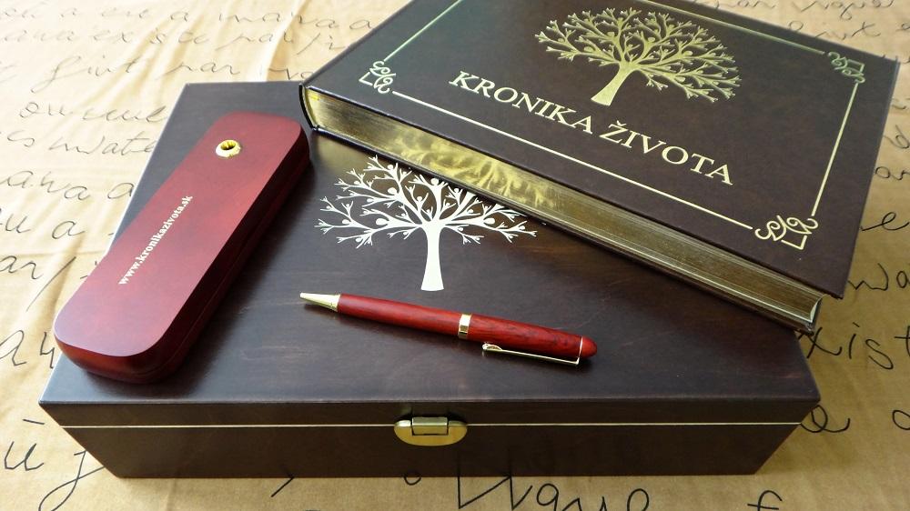 luxusna-zlata-kronika-zivota-box-pera
