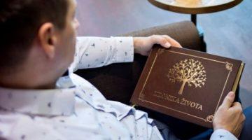 10 rodova kniha kronika zivota