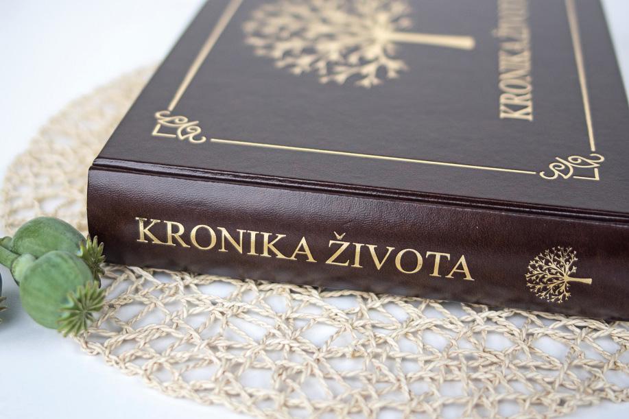 krasna-rodova-kniha-kronika-zivota